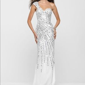 Clarisse one shoulder white gown